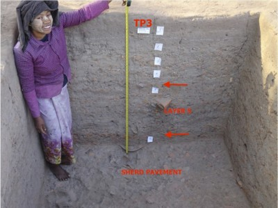 Figure 4. Yahanda mound, test pit 3, south section, contexts 1–6, showing depth of hardened work surfaces (context 5) and sherd pavement (context 6); © Janice Stargardt.