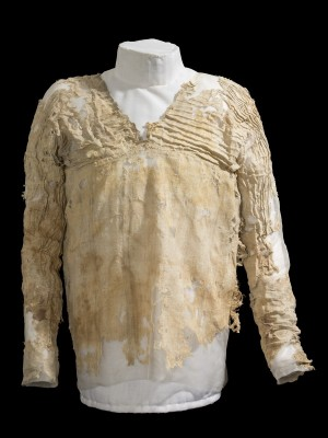 Figure 1. The Tarkhan Dress, courtesy of the Petrie Museum, UCL (UC28614B1).